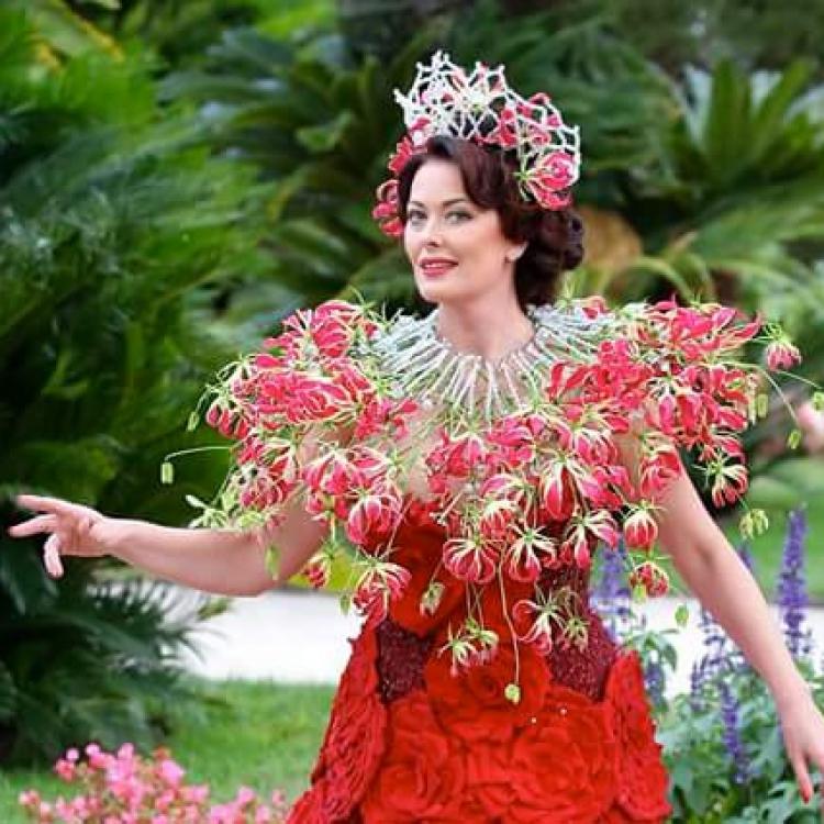 Natalia Zizko gloriosa wreath
